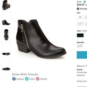 NWT Esprit Topaz black studded booties